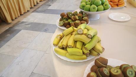 fruit presenteren kind