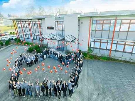 jarig op 28 september AGF.nl : Kronen viert 40 jarig bestaan op 27 en 28 september 2018 jarig op 28 september